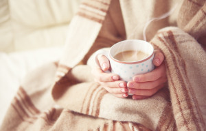 cold-hands-coffee-blanket