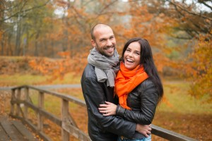 young-couple-feeling-good-scarves