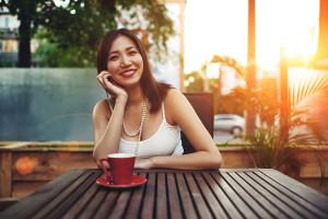 woman-feeling-good-cafe-coffee