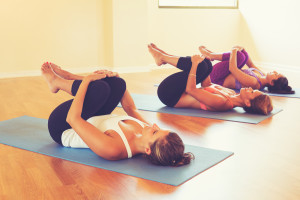 ladies-stretching-yoga-class