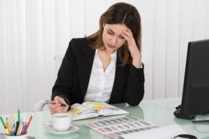 woman-stressed-calendar