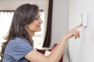 medication-storage-adjusting-thermostat